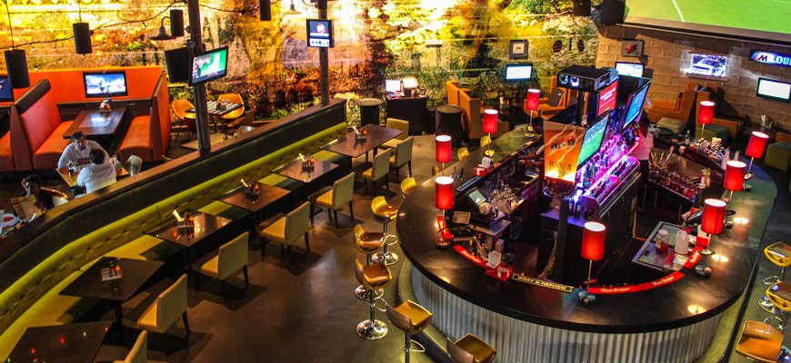 A Mive Vibrant Restaurant And Sports Bar In Uptown Kingston Themed After Reggae Dancehall Music With Record Menu Of Course The Jamaican
