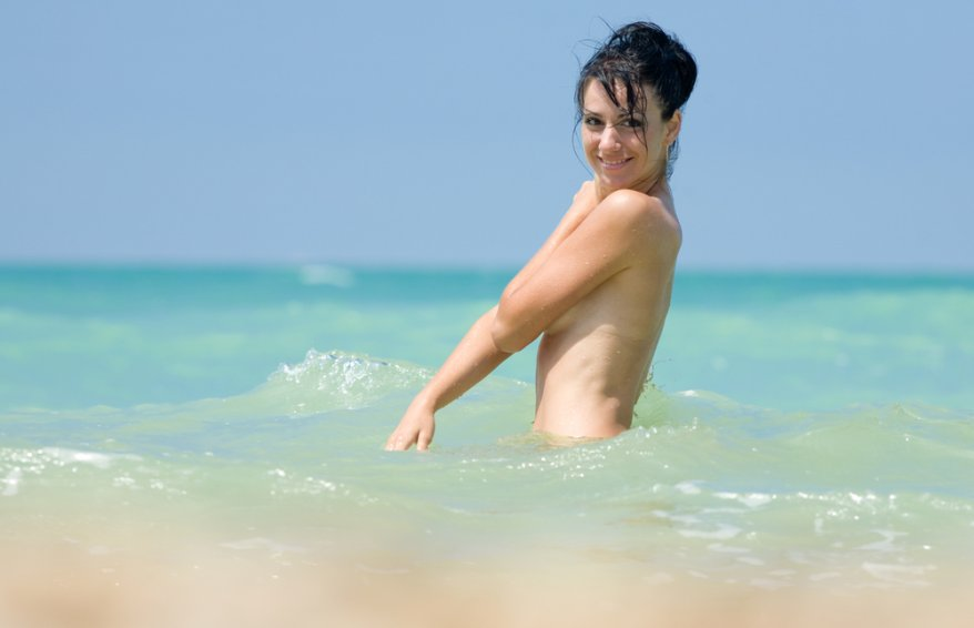 nude girl in the sea
